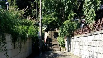 いぼ地蔵に至る階段